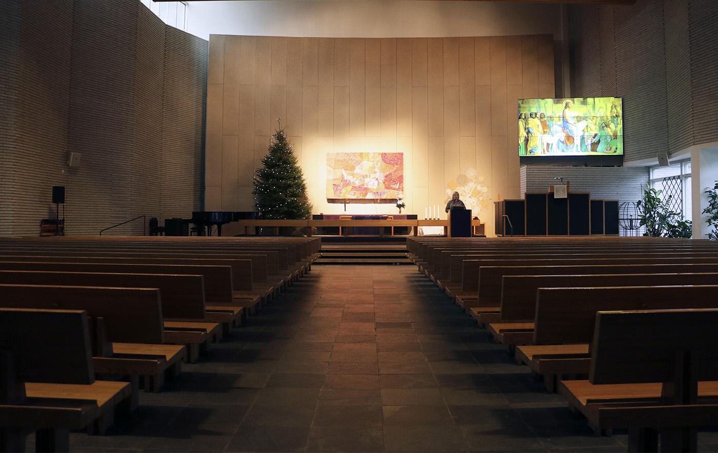 Videoseinä kirkossa